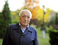 Fethullah Gülen: Ameaça, Filantropo ou Ambos?