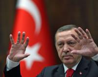 Erdogan ameaça retirar credencial de cônsul que apoiar jornalistas investigados