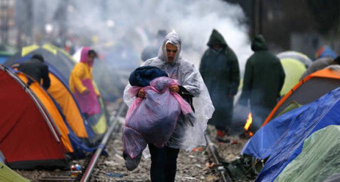 Refugiados ameaçam se matar se forem expulsos da Grécia para Turquia