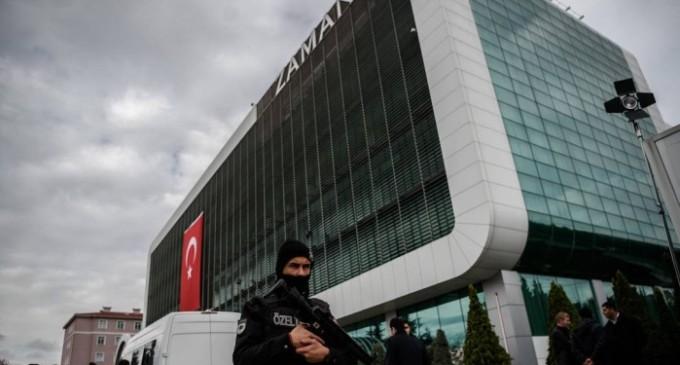 'Vivemos sob a ameaça de sermos presos', conta jornalista turco