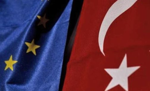 Isenção de vistos para turcos 'não está fechada'