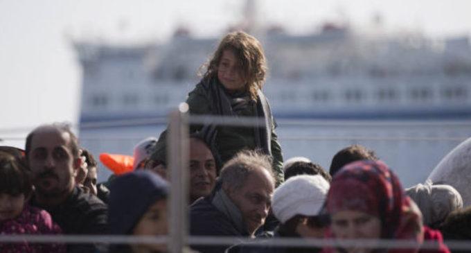 Crianças sírias teriam sido violentadas em um campo de refugiados na Turquia