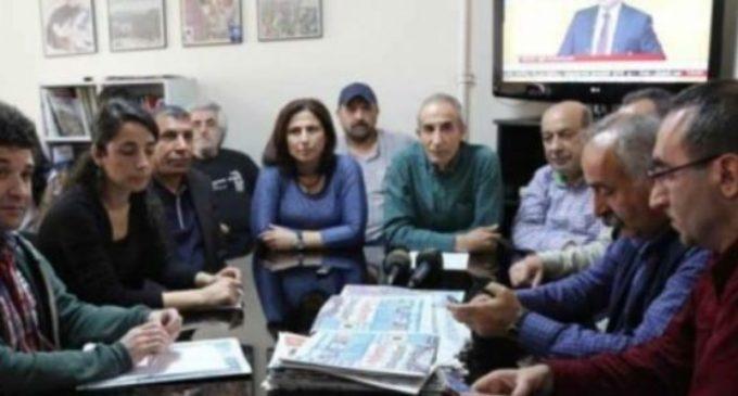 Investigação lançada sobre 37 chefes de redação