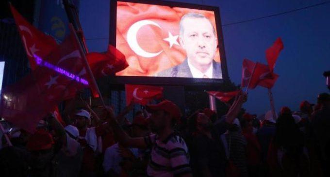 Erdogan promove caça às bruxas na Turquia