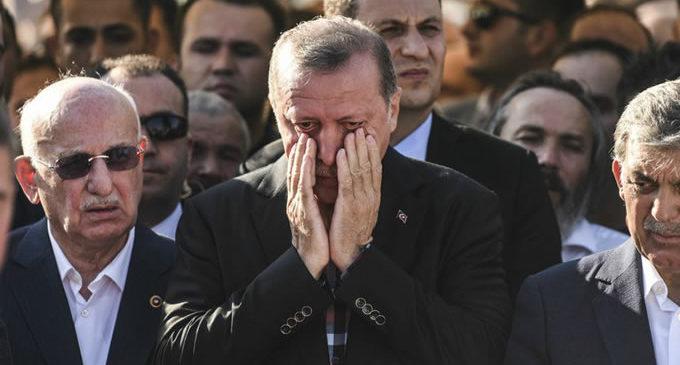 """Golpismo, um """" presente de Deus """" a Erdogan"""