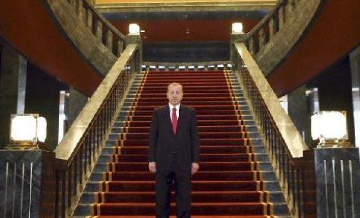 Erdogan em seu labirinto
