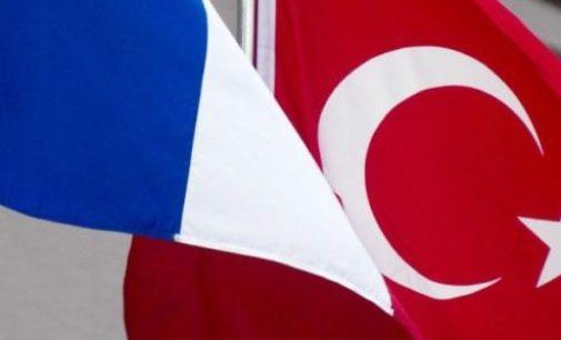 """Turquia diz que """"não tem lições a receber"""" da França"""
