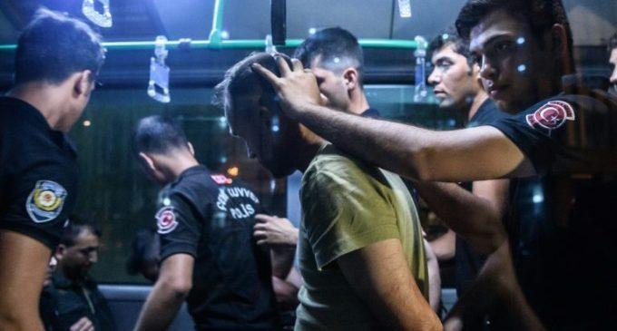 Turquia prossegue com expurgos e aliados mostram preocupação