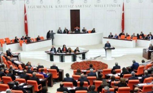 Parlamento Turco aprova estado de emergência de três meses