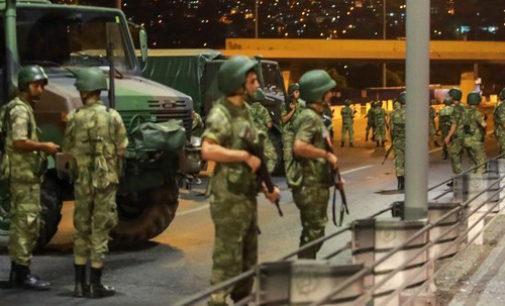 O que aconteceu na Turquia? Por que os militares tentaram tomar o poder?