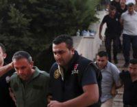 Turquia expande expurgo massivos de oponentes