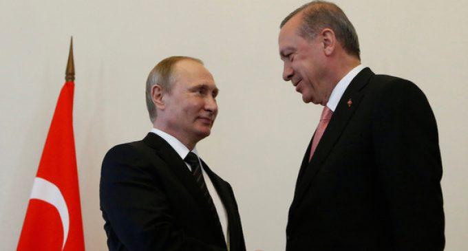 Putin recebe presente de reconciliação de Erdogan