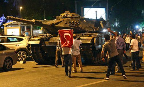 AKP evita investigação sobre a tentativa de golpe