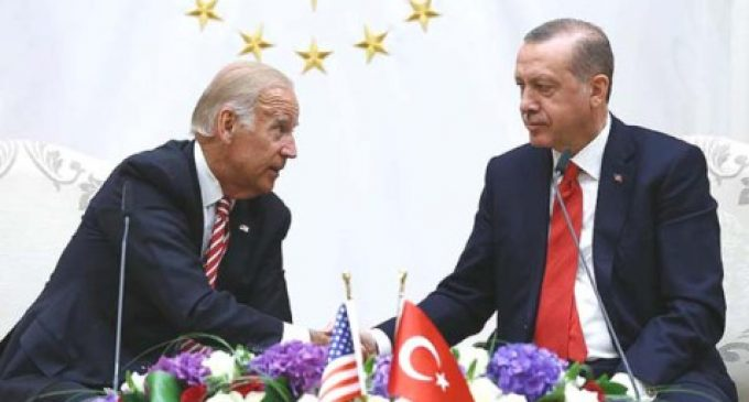 Jogo de cena: visita de Joe Biden à Turquia