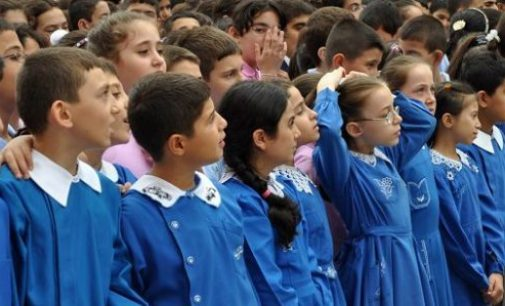 Professor pergunta aos alunos: De quem vocês gostam mais, Erdogan ou Gulen?