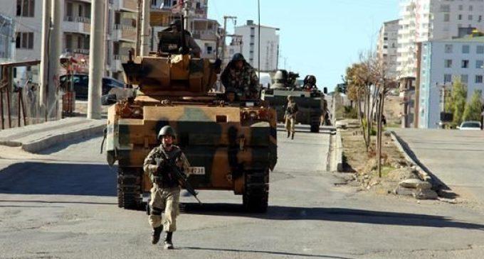 Gabinete do Governador de Diyarbakir impõe toque de recolher em 13 bairros