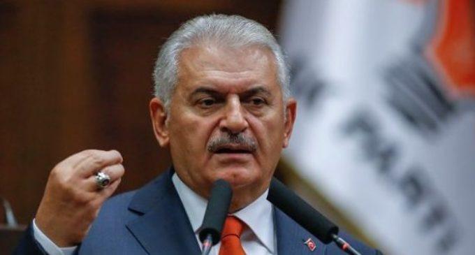 Premiê turco diz que a Turquia ficará dividida se o sistema presidencial não for adotado