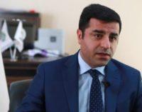 Vice-presidente do HDP diz que cerca de 90 deputados, a maioria do AKP, sabiam de planos para o golpe
