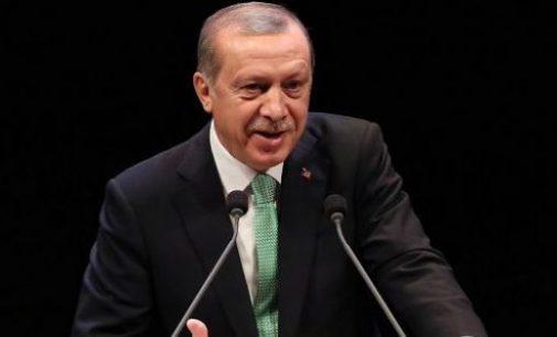 Erdogan: Se 3 milhões de refugiados marcharem para a Europa, a UE não saberá o que fazer