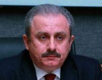 Deputado do AKP diz que uma emenda constitucional será proposta dentro de 15 dias