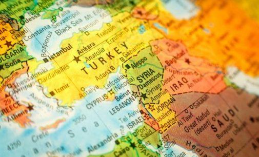 Expurgo de acadêmicos 'a estilo nazista' na Turquia condenado