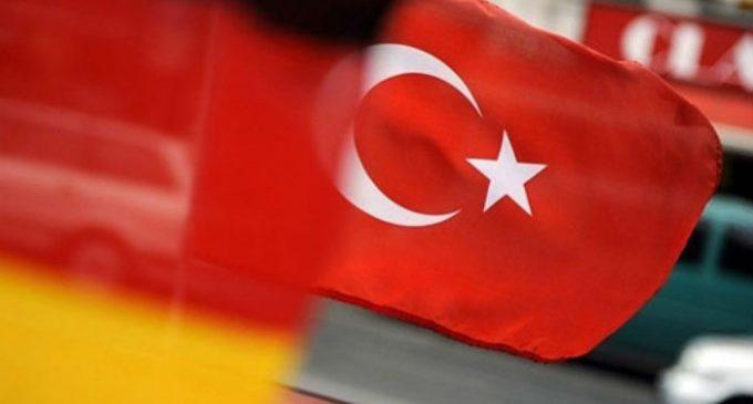 Turquia teria espionado políticos da Alemanha, diz jornal
