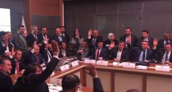 Turquia aprova emendas constitucionais conferindo enormes poderes ao presidente