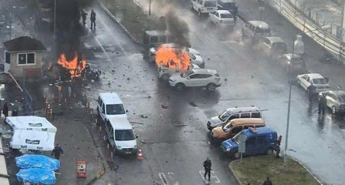 Resultado de imagem para atentado bomba izmir