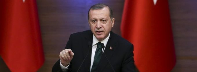 Erdogan diz que liberdades foram ganhas através de projetos de infraestrutura