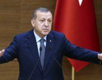 """Erdogan: os que disserem """"não"""" no referendo estão do lado dos golpistas"""