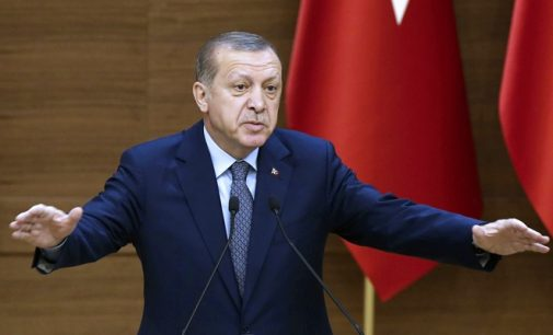 Erdogan vence referendo para implantar presidencialismo na Turquia