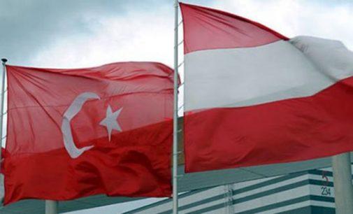 Áustria se junta ao grupo dos que cancelaram comícios de políticos turcos sobre o referendo