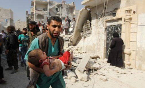 """Síria acusa """"terroristas"""" e Turquia por ataque com armas químicas no país"""