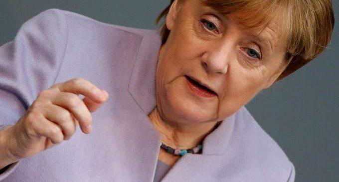 Merkel ataca 'mau uso' dos mandados da Interpol na Turquia