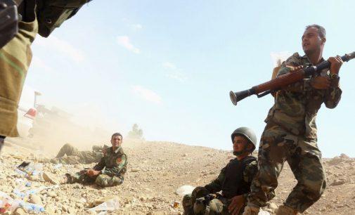 EUA inicia entrega de armas a combatentes curdos na Síria