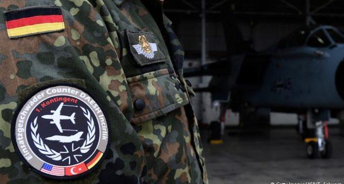 Turquia proíbe visita de parlamentares alemães a base aérea