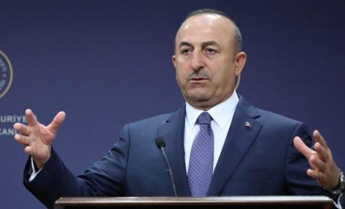 """Turquia diz estar """"triste"""" com a decisão do Catar, pede diálogo"""