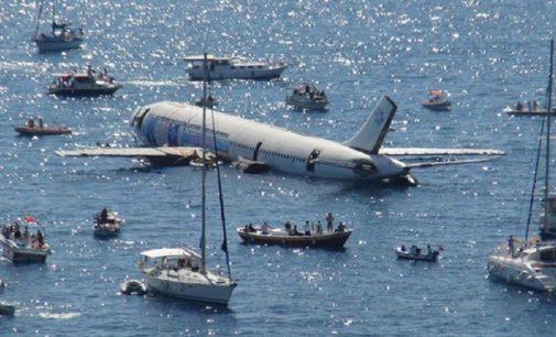 Turismo da Turquia afunda avião para criar coral e incentivar mergulho