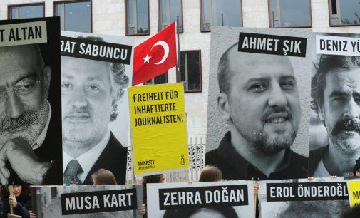 Detentos turcos poderiam perder o direito de apelar ao Tribunal Europeu