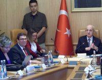 Chanceler de Cuba visita Assembleia Nacional da Turquia