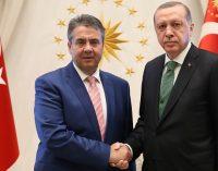 Turquia acusa ministro alemão de 'copiar' os racistas