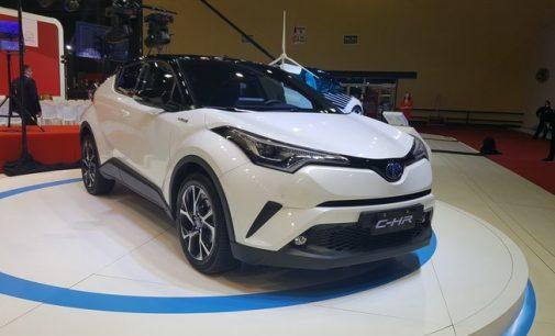 Toyota estuda importar CH-R híbrido da Turquia para o Brasil