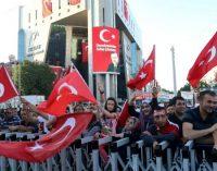 Há um ano Turquia viveu misterioso golpe fracassado