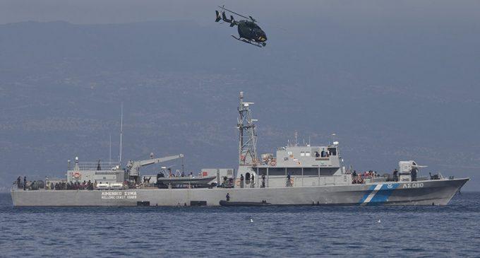 Capitão turco diz que guarda costeira grega disparou contra cargueiro