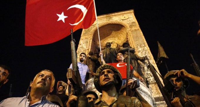Um ano depois do golpe de Erdogan