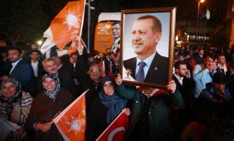 O avanço da Turquia para um regime de partido único