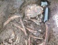 Esqueleto do Período Neolítico enterrado com machado foi encontrado em Istambul