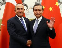 Ancara promete a Pequim eliminar a posição anti-China na mídia turca