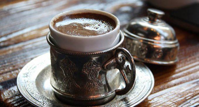 Café Turco e sua riqueza de detalhes