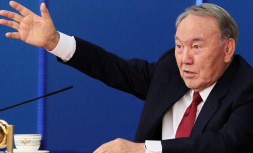 Nazarbayev diz que as escolas cazaque-turcas pertencem ao Cazaquistão e que não haverá extradição de professores